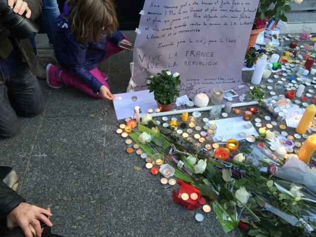 mourning victims of Paris attacks