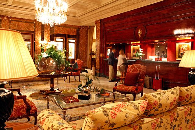 Hotel Westminster Lobby