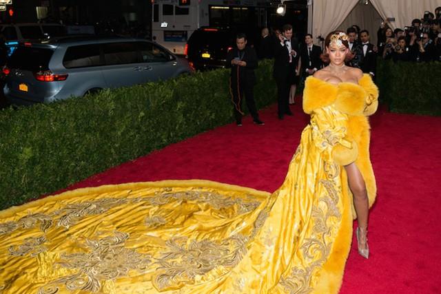 Haute Couture: Guo Pei