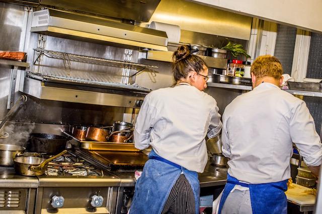 kitchen - Crom'Exquis gastronomic restaurant