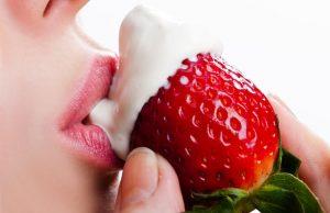 sexy foods- strawberry and cream