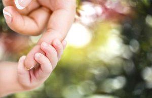 parent letting go of child