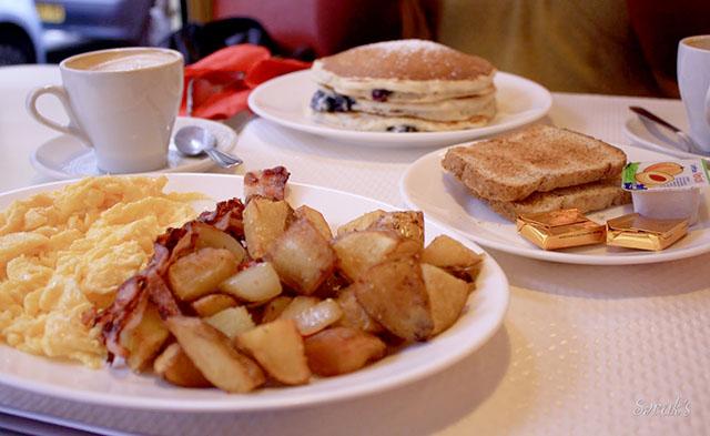 Breakfast in America among best brunches in Paris