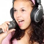 teenager-girl-singing