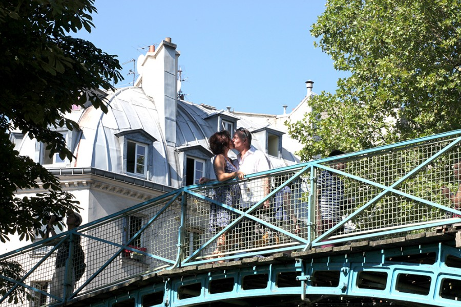 Lovers on a Bridge