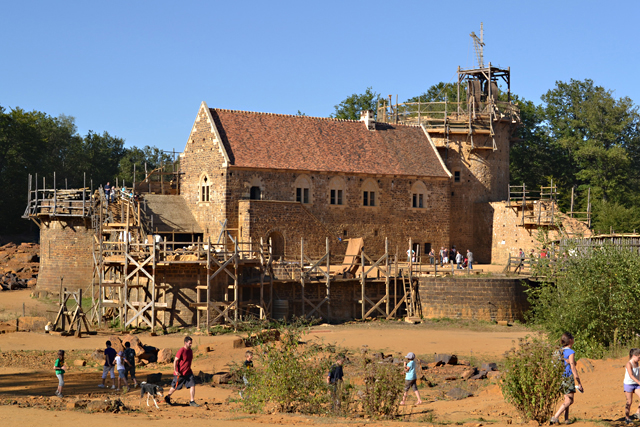 Archaeological Challenge: Building a Real Medieval Chateau