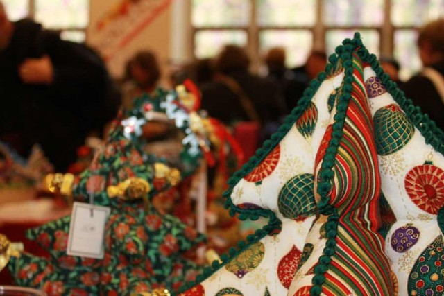 AAWE Bazaar: Christmas handicrafts