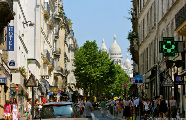 Rue des Martyrs in the 9th arrondissement of Paris © Gabriela Sciolino Plump