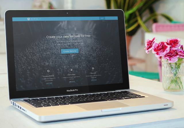 build your own website : laptop screen