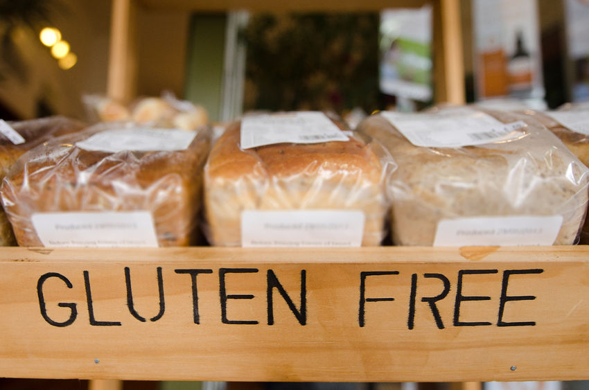 child with food allergies: gluten free bread