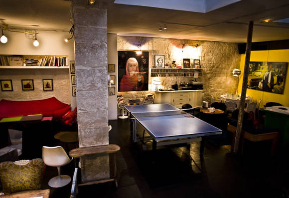 singles bars in Paris