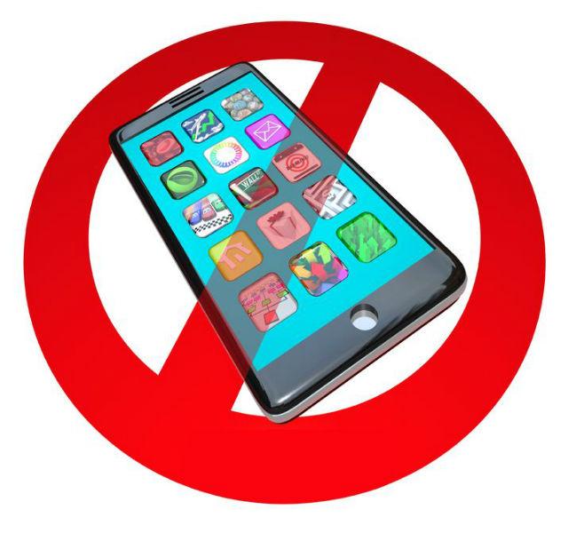 no smartphones at dinner