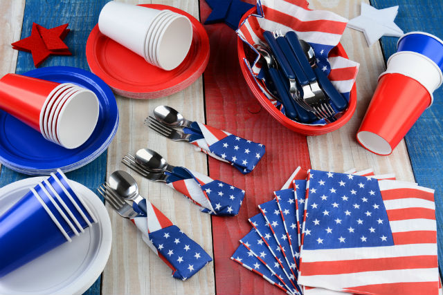 July 4th themed tableware