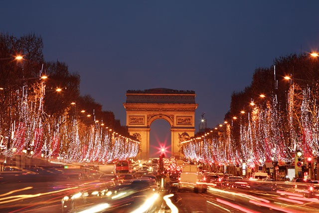 champselysee-christmaslights-640x427