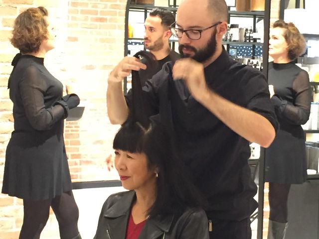 Hair Stylist Joris at 365C hair bar in Le Bon Marche store in Paris. © INSPIRELLE